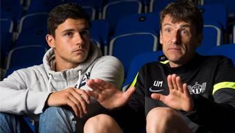 Vertauschte Rolle: FCZ-Verteidiger Loris Benito (links) interviewt seinen Trainer Urs Meier.