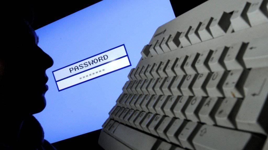 Die Anklageschrift zeigt: Beim Datendiebstahl im Jahr 2012 beim Nachrichtendienst des Bundes hat der Dieb sensitive Daten gestohlen, deren Weitergabe die Sicherheit der Schweiz gefährdet hätte. (Symbolbild)