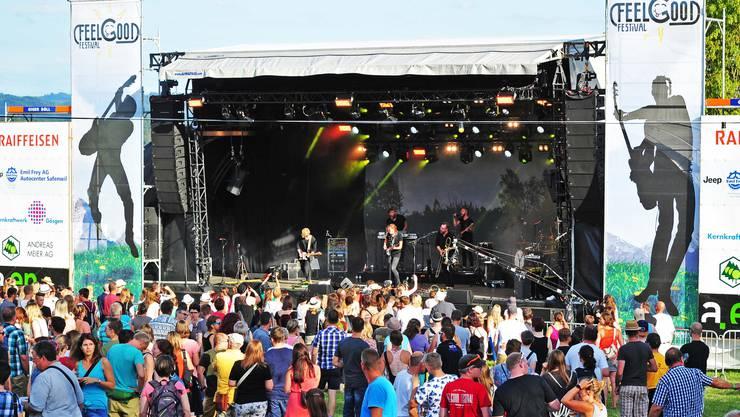 Das Niedergösger Feelgood-Festival war am Freitagabend mit rund 2000 Besuchern gut besucht.