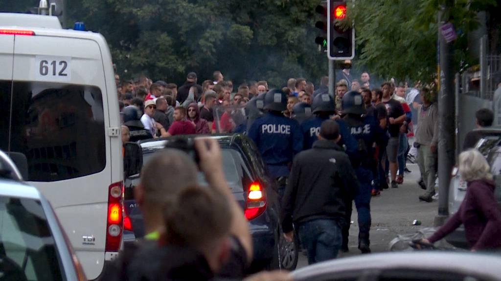 Verletzte und Warnschüsse: Wüste Szenen um das Spiel zwischen YB und Roter Stern Belgrad