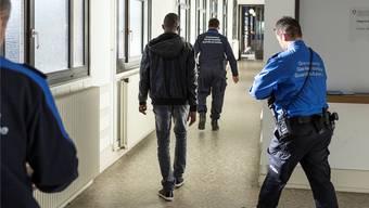 Weniger Asylgesuche, dafür mehr Dublin-Fälle beschäftigen die Schweiz.