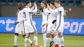 Der FC Basel jubelt nach dem 4:1-Sieg gegen Luzern.