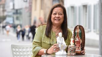 Zwar glaubt Vivian Kiefer-Vargas nur an einen Gott. Doch manchmal nimmt sie zur Sicherheit auch ihre drei Glücksgötter mit.