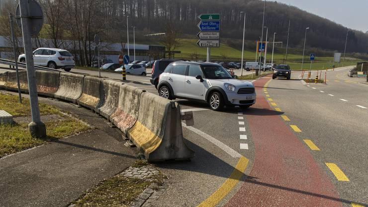 Die Kreuzung zur Westumfahrung auf der Bürenstrasse soll sicherer gestaltet werden.