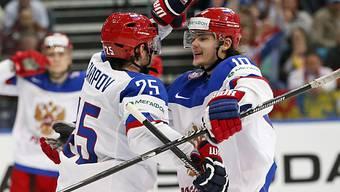 Die Russen und Topskorer Tichonow (r.) werden in Minsk favorisiert