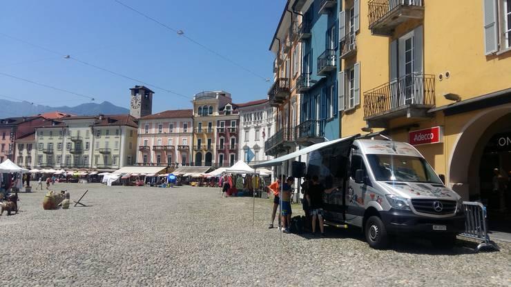 Zu Abschluss der 11-tägigen Wanderung war auch das Medienteam der Klasse 2Pf wieder vor und durfte 3 Stunden live von der Piazza Grande senden.