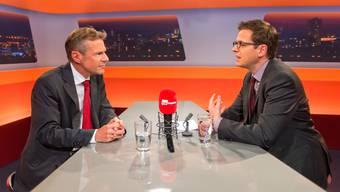 Peter Bühlmann (links) äusserte sich im Gespräch mit az-Chefredaktor Christian Dorer zum ersten Mal zur Daten-CD.