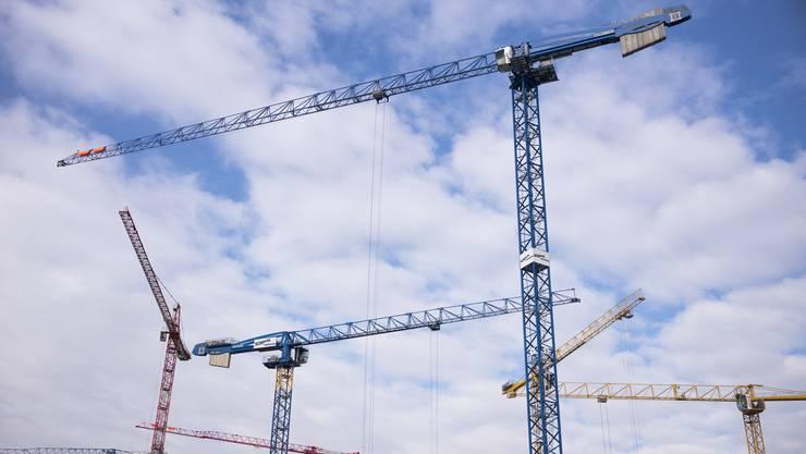 Schlierens Bau- und Zonenordnung (BZO) müsse revidiert werden, ist sich der Stadtrat einig. (Symbolbild)