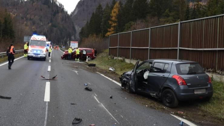 Drei mittelschwer verletzte Personen sowie drei total beschädigte Autos: das ist die Bilanz des Unfalls am Freitag im Prättigau.
