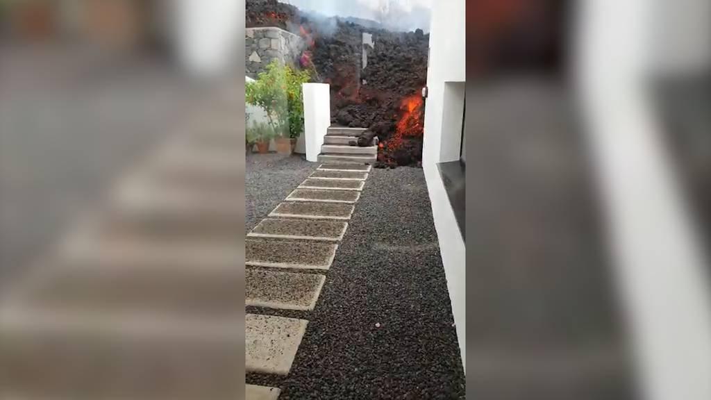 Vulkanausbruch in La Palma: Hier frisst sich Lava in eine Ferienresidenz