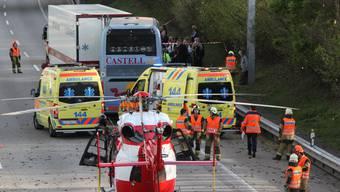 Um 17.40 Uhr verunfallte ein Car beim Autobahnkreuz Härkingen (SO) auf der A2