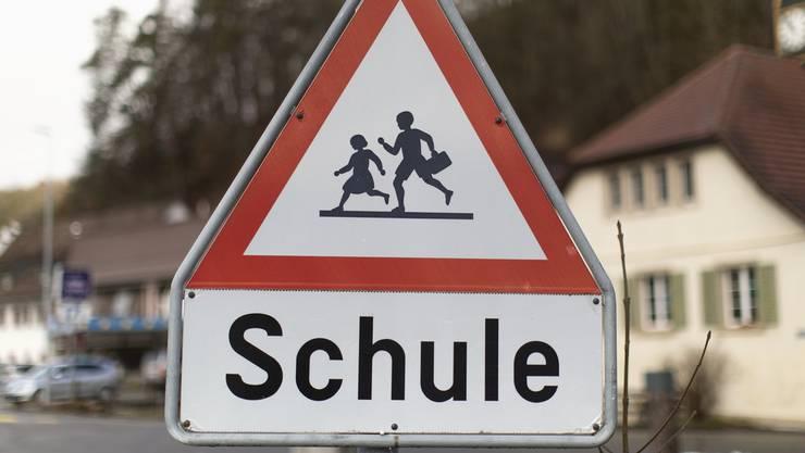 Die Schulpflege gehört im Aargau bald der Vergangenheit an. (Symbolbild)