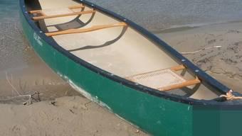 Dieb hat Paddelboote geklaut: Wem gehören diese Kanus?