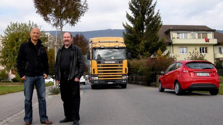 Alex Kaufmann und Remo Bill (beide SP) stützen die Anliegen der Flughafenstrassen-Anwohner in Grenchen. (FUP)