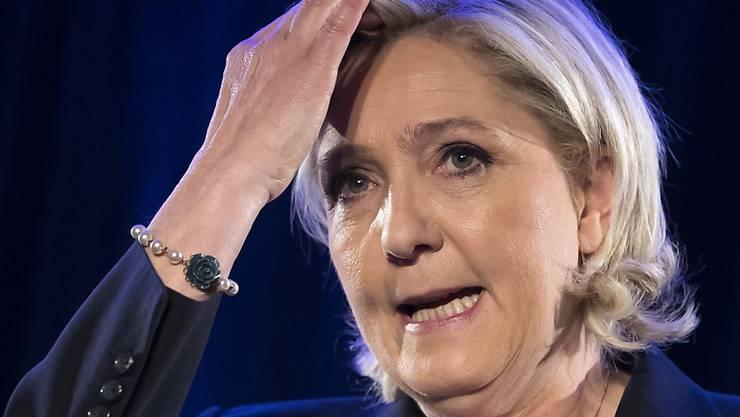 Marine Le Pen wird vom EU-Parlament gebüsst, weil sich unrechtmässige Geldbezüge gemacht hat (Archiv)