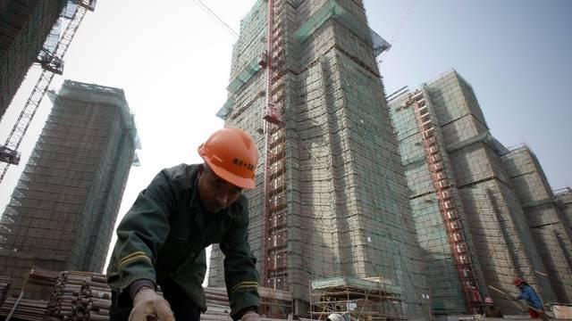 Ein Bauarbeiter in Shanghai (Archiv)