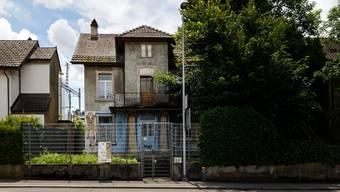Das baufällige Haus an der Dornacherstrasse 10 wird bald abgerissen.