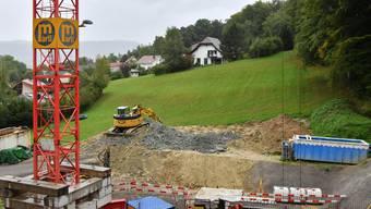 Das Gefälle neben der Baustelle für den Eppenberg-Notausstieg wird nicht mit Ausbruchmaterial aufgefüllt