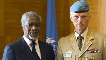 Kofi Annan (l.) und Robert Mood (Archiv)