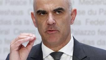 Gesundheitsminister Alain Berset stellte am Dienstag die möglichen Verschärfungen vor. Nun ist klar, welche Massnahmen kommen werden.