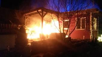 Das brennende Gartenhäuschen in Tegerfelden.