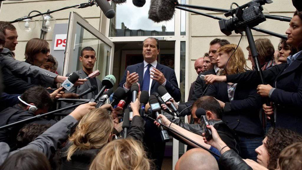 Frankreichs Sozialisten-Chef Jean-Christophe Cambadelis ruft seine Partei zur Geschlossenheit auf. (Archivbild)