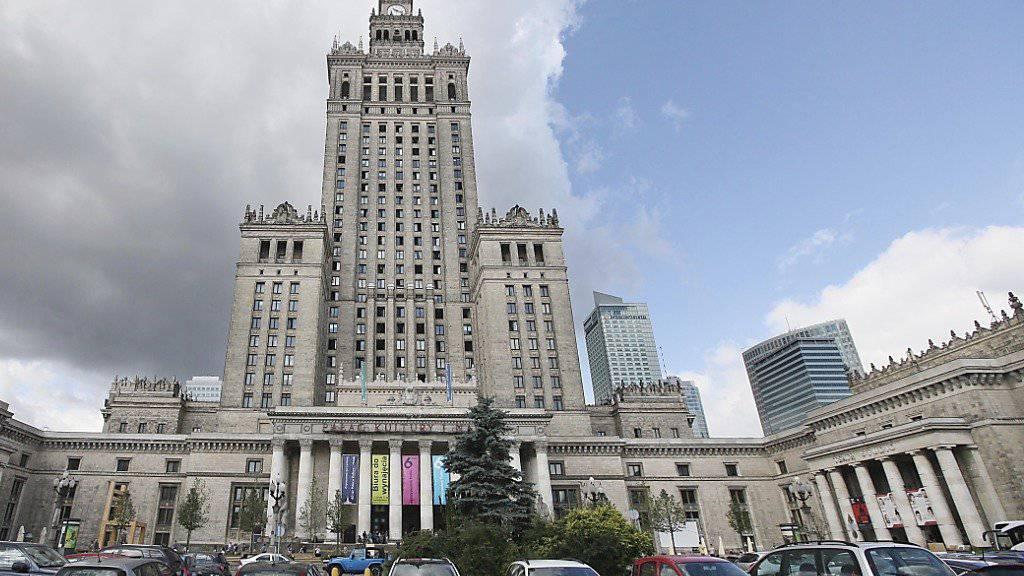 Polnische Politiker wollen den Warschauer Kulturpalast abreissen lassen. (Archiv)