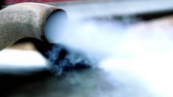 Abgas adé? Forscher gewinnen erstmals aus Kohlendioxid einen Kraftstoff. (Symbolbild)