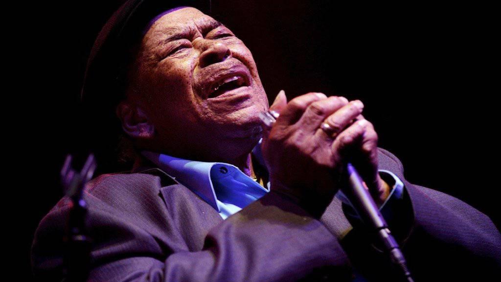 US-Bluesmusiker James Cotton (Archivbild) verstarb am Donnerstag im Alter von 81 Jahren.