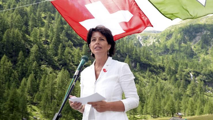 Bundesraetin Doris Leuthard bei ihrer Ansprache auf der Alpe Campo