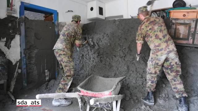 Armee räumt Häuser im Gebiet Bondo