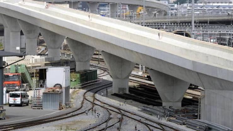 Mit der Kohlendreieck- und der Letzigrabenbrücke werden am 13. Dezember die letzten beiden grossen Bauwerke der Zürcher Durchmesserlinie in Betrieb genommen.