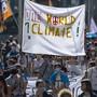 Rund 500 Teilnehmende nahmen an der Klima-Demo in Basel teil.