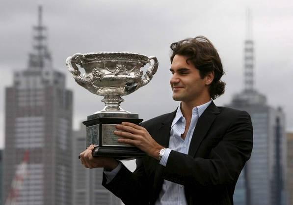 10) Federer gewinnt die Australian Open 2007 zum dritten Mal. Er besiegt Fernando Gonzales (Chile) 7:6 (7:2), 6:4, 6:4.