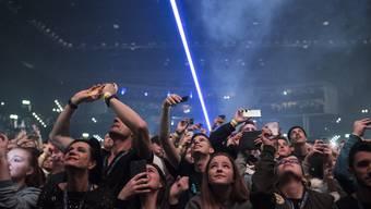 Konzerte wie dieses von David Guetta im Hallenstadion Zürich dürfen vorerst nicht mehr stattfinden. (Bild: Ennio Leanza/Keystone, 2018)