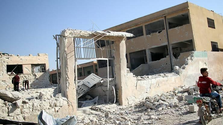 Zerstörte Schule in der syrischen Stadt Idlib. (Archivbild)