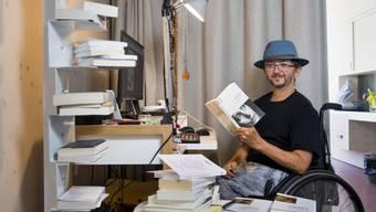 """In seinem Roman """"Die Panzerung"""" erzählt Philippe Rahmy mit sprühender Intensität und zugleich leiser Intimität von einer Reise nach China."""