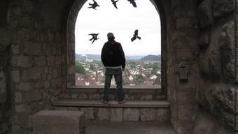 Ein Jugendlicher sitzt wieder im Jugendheim Aarburg hinter Gitter
