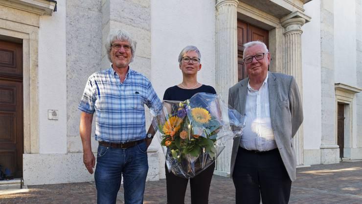 Die beiden Fundraiser Gery Meier und Erika Schranz sowie Baukommissionspräsident Peter Schibli (von links).