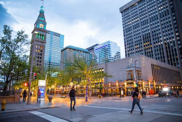 Die 16th Street Mall ist die Lebensader der Innenstadt von Denver.