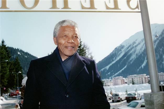besuchte Südafrikas Freiheitsheld Nelson Mandela das WEF – zwei Jahre nach seiner Haftentlassung. WEF-Gründer Klaus Schwab sagt, dies sei seine eindrücklichste Begegnung gewesen. Mandela sprach in Davos über seinen Plan, die Apartheid zu beenden.