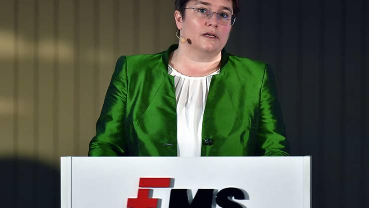 Die von Magdalena  Martullo-Blocher geleitete Ems-Chemie spürt die Bremsspuren in der Autoindustrie. (Archivbild)