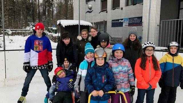 Jubla Biberist auf der Eisbahn in Zuchwil
