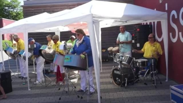 Konzert der Steelband Calaloo in der Badi Weihermatt