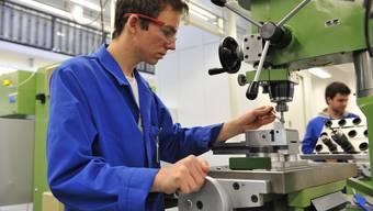 Der Grenchner Uhrwerkhersteller ETA bemüht sich, dass möglichst viele der Lehrabgänger im Betrieb bleiben können.