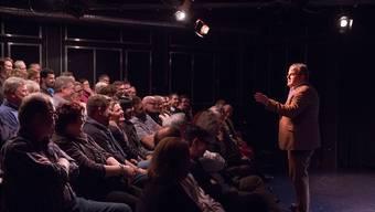 Mike Müller zog bei seinem Auftritt im Theaterstudio in Olten das Publikum mit gekonntem Rollenspiel in seinen Bann.