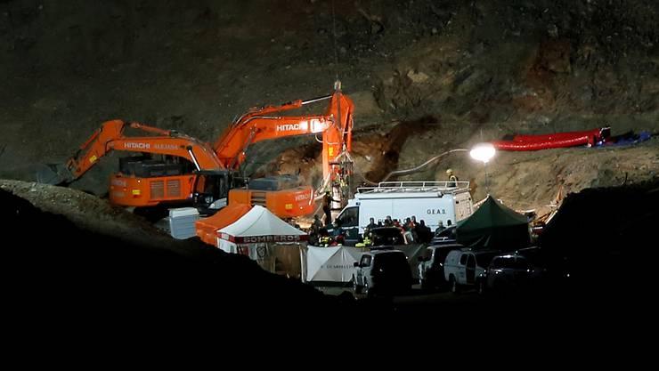 Der seit knapp zwei Wochen in einem tiefen Brunnenschacht in Südspanien verschollene Julen ist in der Nacht zum Samstag tot gefunden worden.