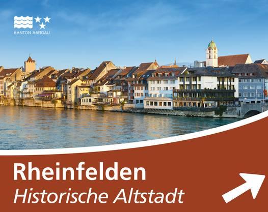 Tourismustafel auf einer Autobahn: Rheinfelden.