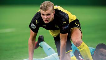 Der Dortmunder Erling Haaland erzielt gegen Paris Saint-Germain beide Treffer zum 2:1-Heimsieg.