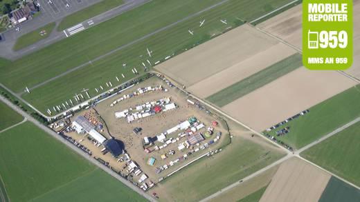 Dan Prochazka aus Niederrohrdorf hatte den ganz besonderen Blick auf das Argovia Fest Gelände - aus seinem Segelflieger.